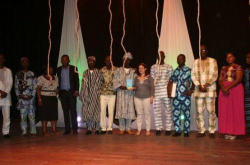 Article : Concours «Plumes dorées»: cinq jeunes auteurs béninois révélés