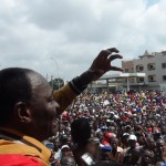 L'ancien ministre Gaston Zossou s'adressant aux manifestants Photo: Vincent Agué