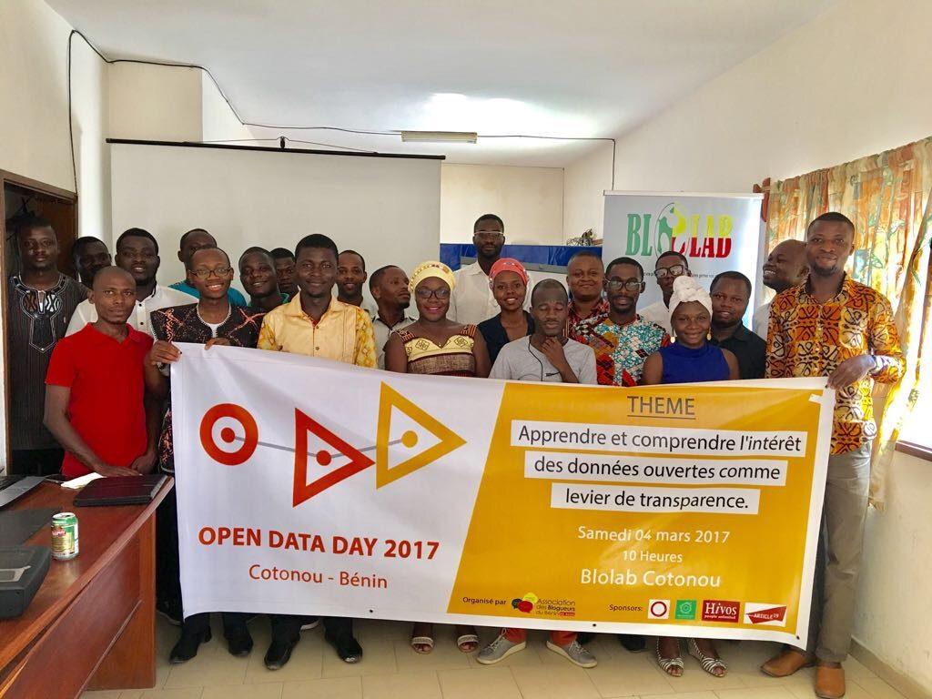 Le samedi 4 mars 2017, les locaux du fablab Blolab ont accueilli le Open Data Day à Cotonou au Bénin. A l'instar des quelques 300 autres événements organisés à travers le monde à l'occasion de cette journée mondiale des données, l'initiative a drainé plusieurs dizaines de personnes ayant des profils différents pour s'informer, apprendre, échanger et partager leur expérience autour des données ouvertes.